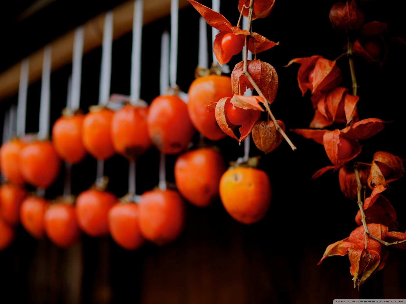 drying_persimmons_tsumago-wallpaper-1400x1050